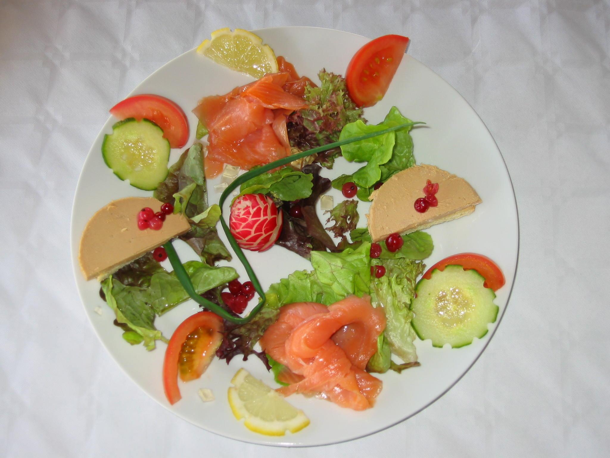 Carte de menus gite - Decoration de salade sur assiette ...